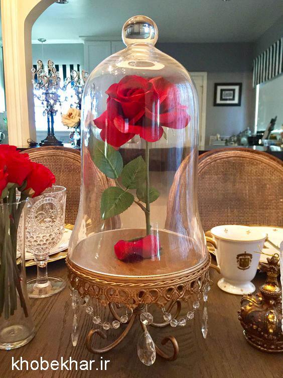 گل رز و شیشه کادویی